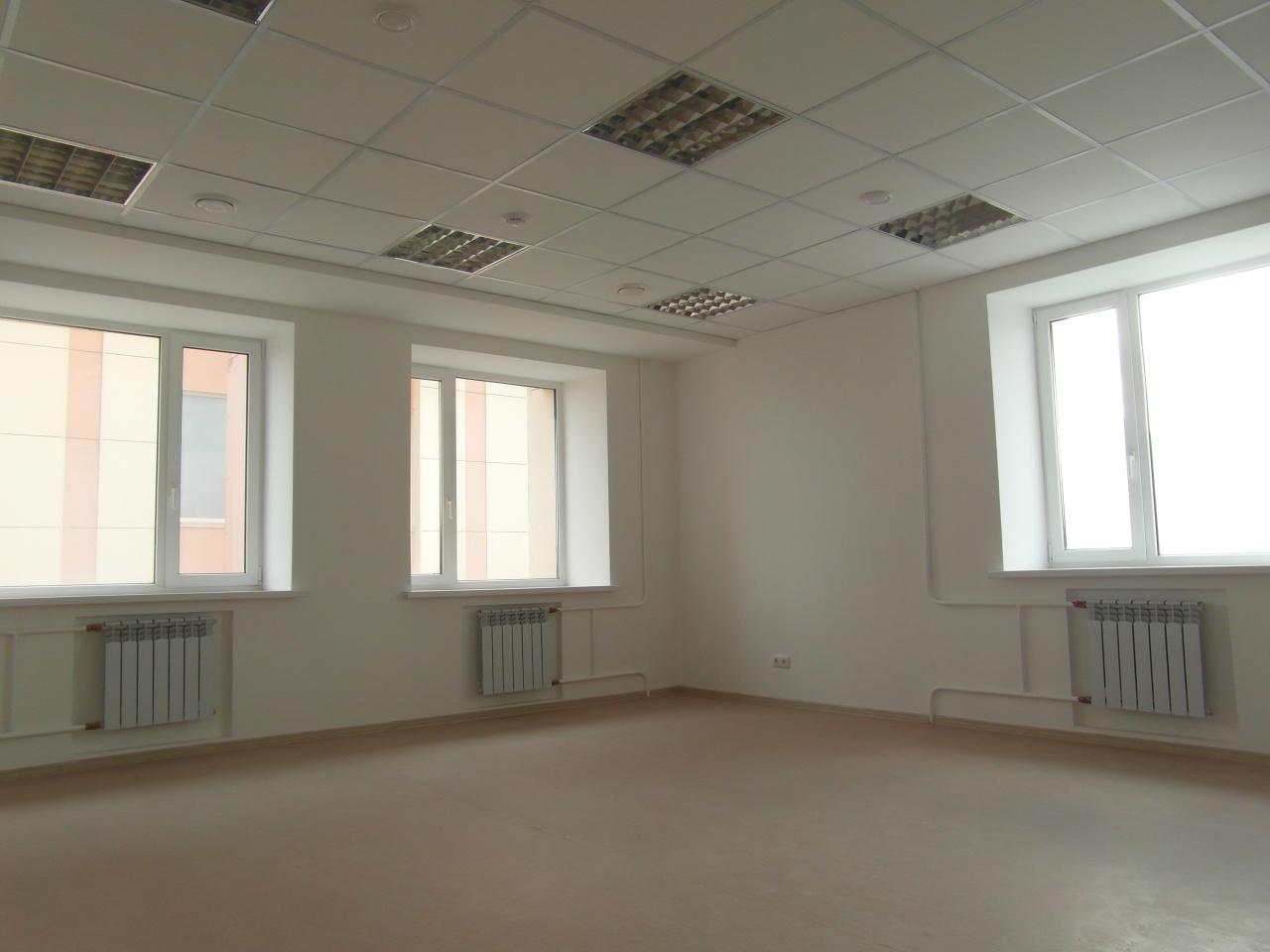 Аренда офиса, помещения под офис пл. Петра Великого, -