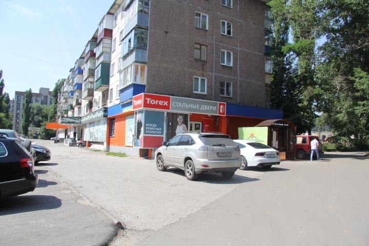 Продажа магазина, торгового помещения Космонавтов, -